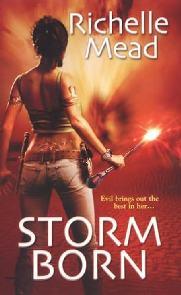Dark Swan: Storm Born - Richelle Mead